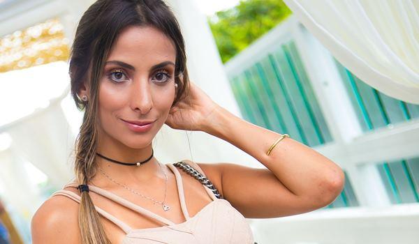 Monique Albuquerque - Looks da Moda Verao Foto Larissa Trentini
